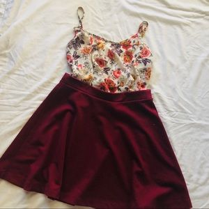 ✨Old Navy Wine color Skirt✨